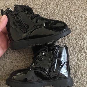Rain boots girl